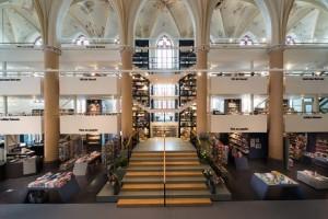 Church-Transformed-into-Bookstore-18-640x427
